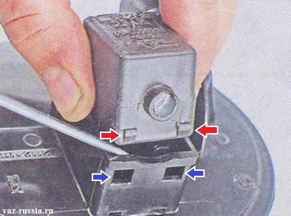 Снятие клапана продувки с адсорбера