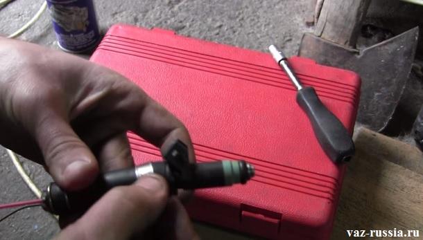 Прочистка форсунок инжектора своими руками ваз 2110 98