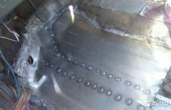 Заплавка инвектором заварка электродом дырки в арке колеса в авто