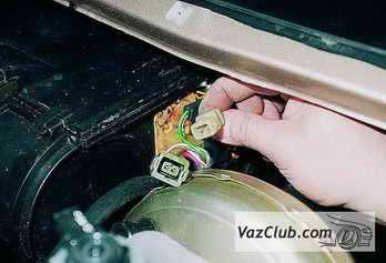 raspinovka-knopki-recirkulyacii-vaz-2110_17.jpg